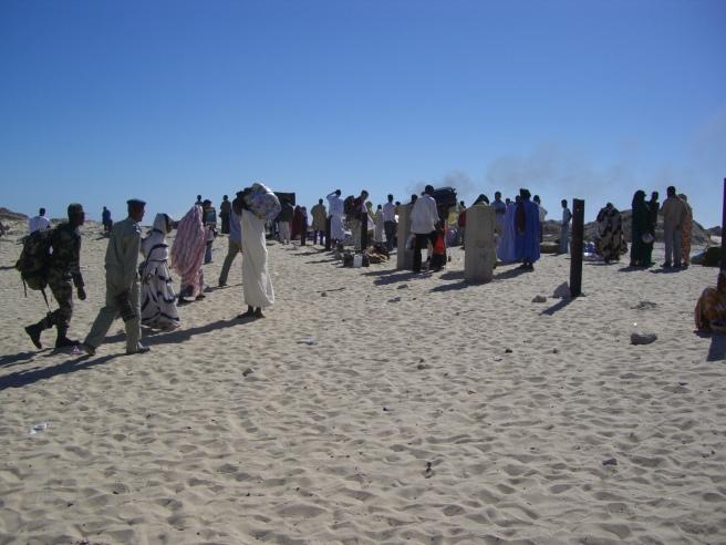 mauritanie 069 - nouadhibou - train approaching